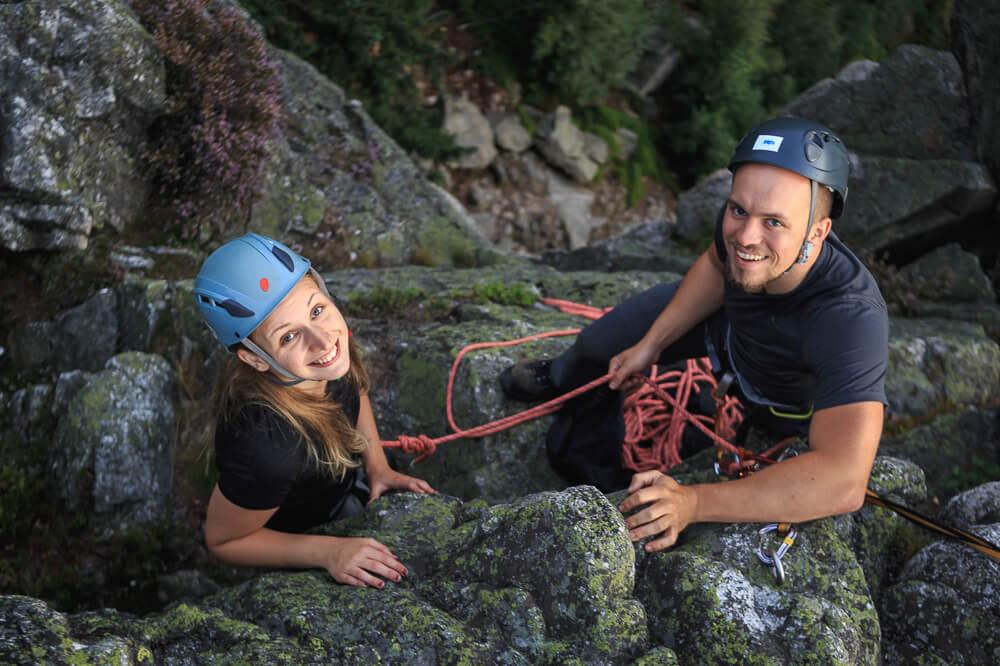 Moe und Nicki mit Kletterausrüstung