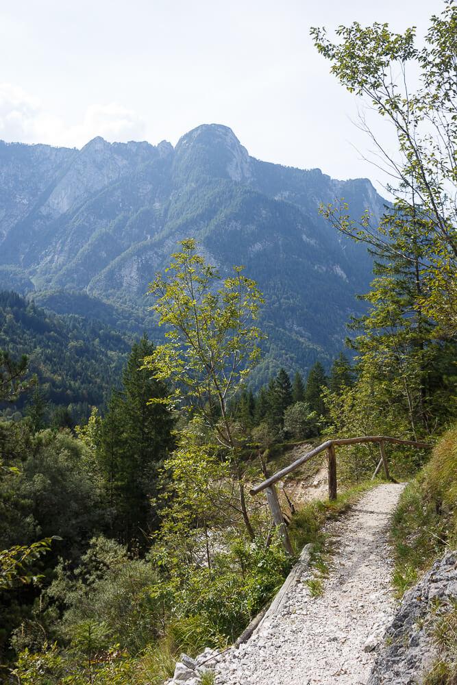 Wanderweg am Soca Trail